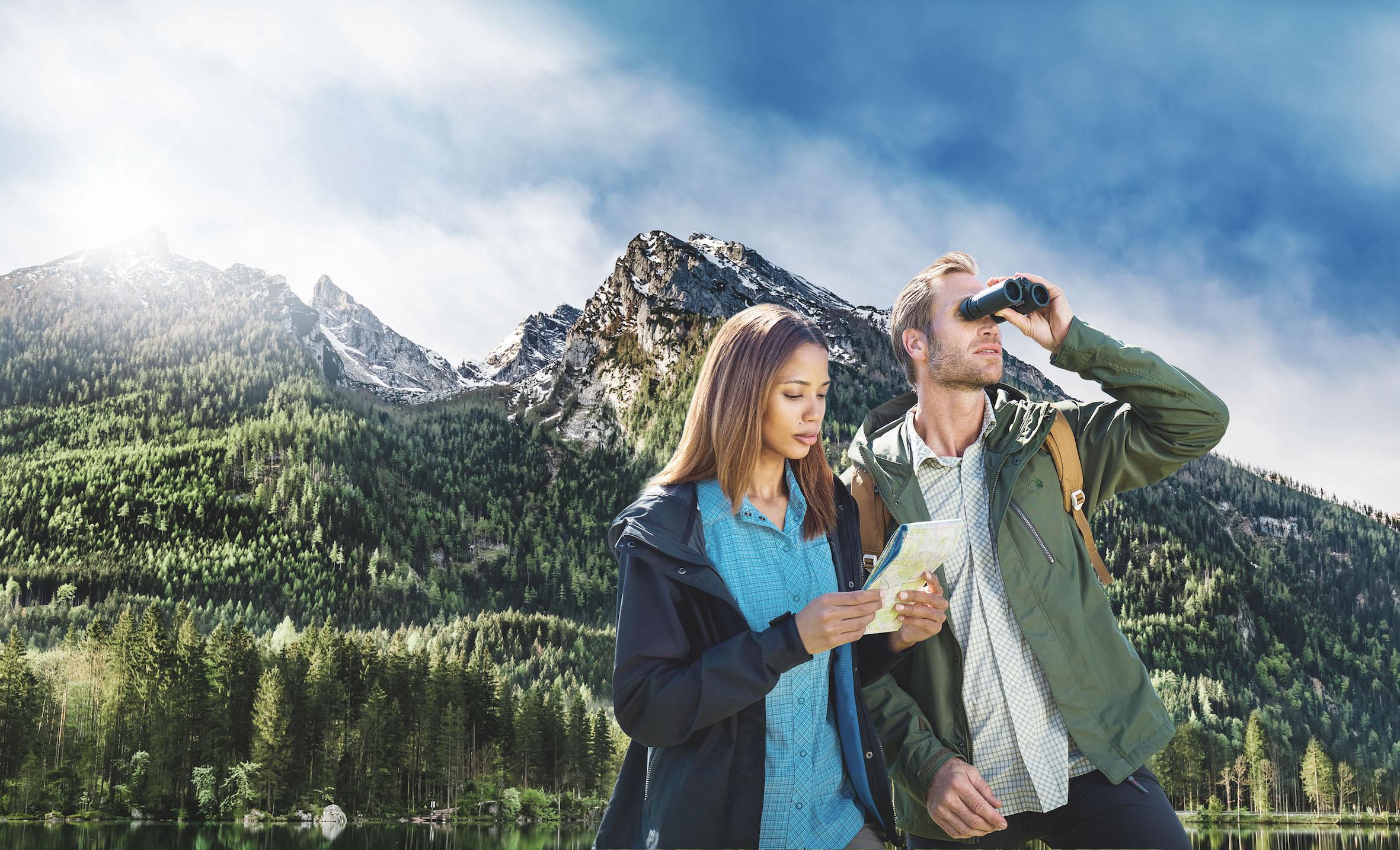 Bergtour mit Fernglas